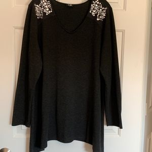 Cable & Gauge Woman Knit Tunic